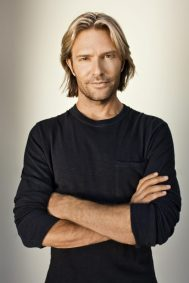 eric-whitacre-2-high-res-credit-marc-royce2-1-533x800